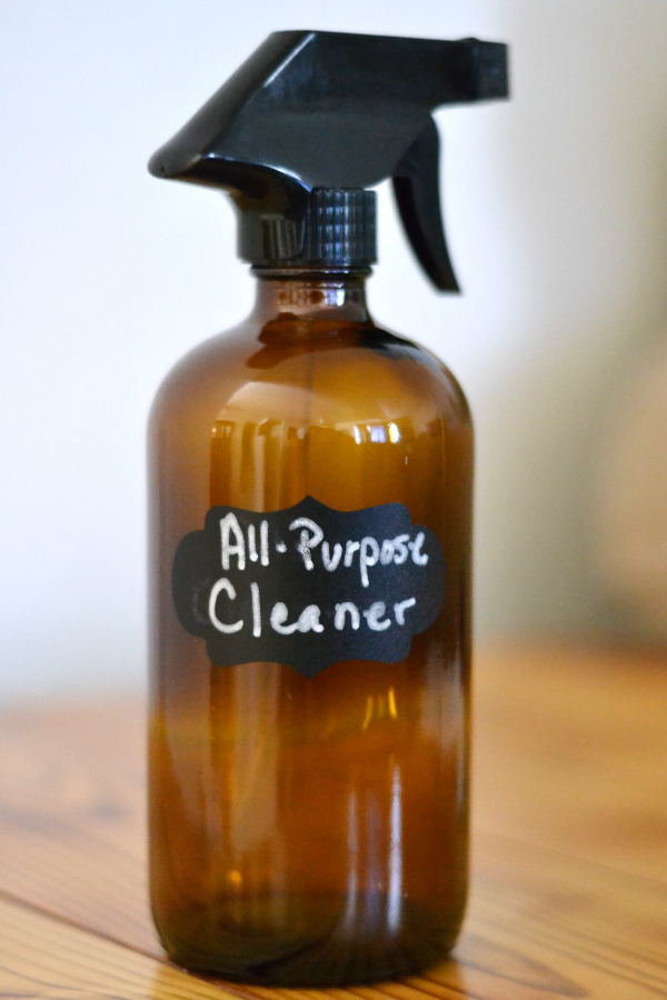 All-purpose deep cleaning recipe made with vinegar.
