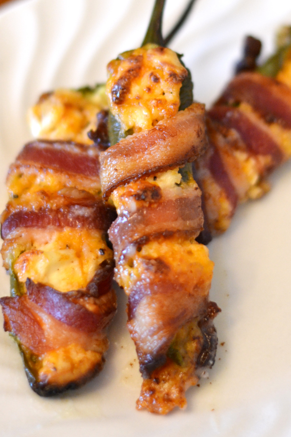 Closeup picture of homemade jalapeno poppers.