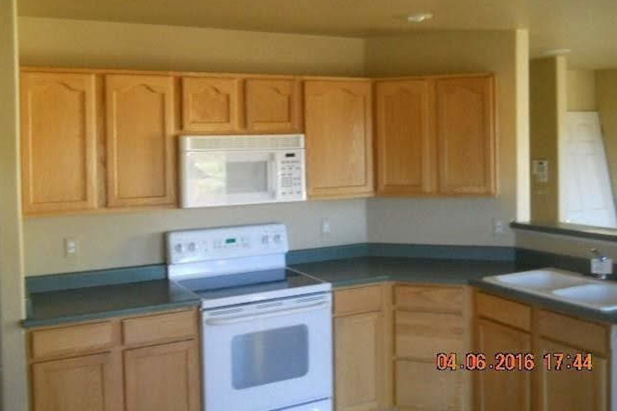 1990s Kitchen in need of remodeling